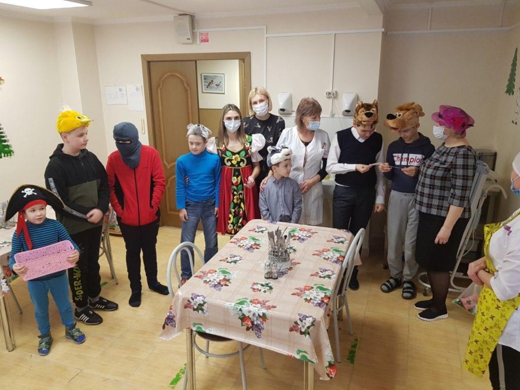 Фотография: дети в праздничных костюмах.